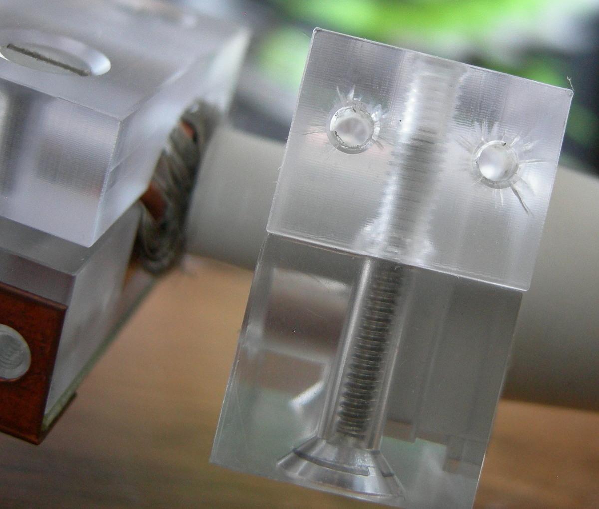 Cable holder details